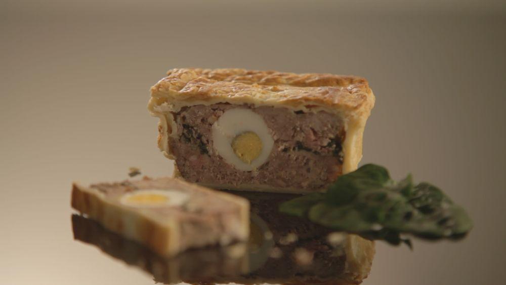 Ciasto francuskie z farszem mięsnym